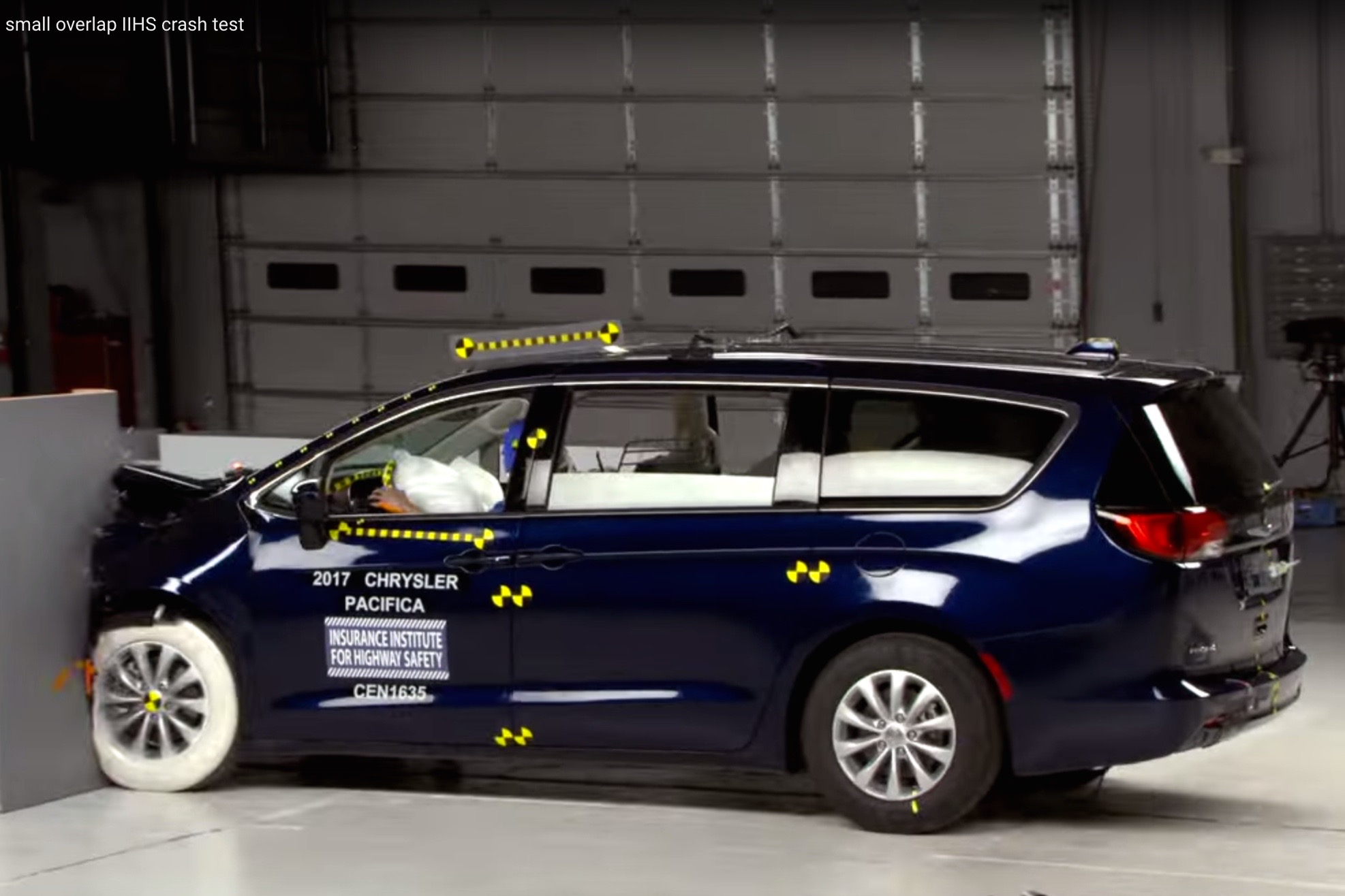 Video: Chrysler Pacifica Wins Top Safety Award
