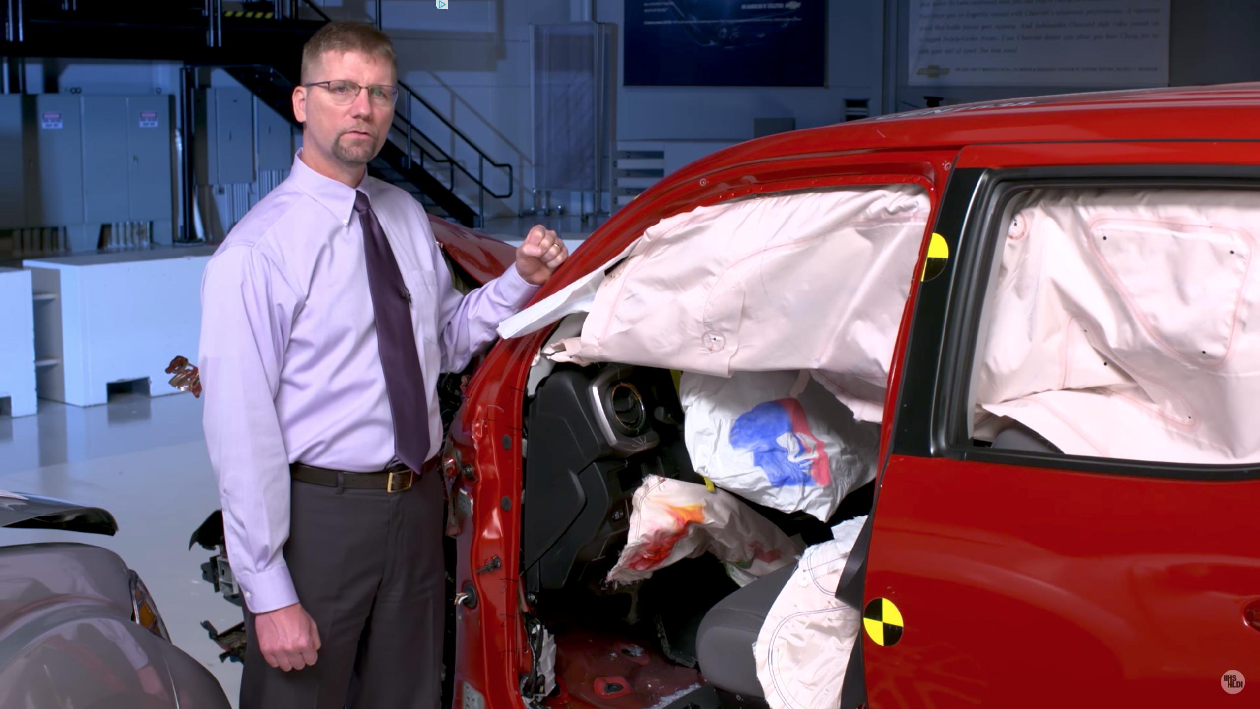 Four Small Pickups Ace IIHS Crash Tests