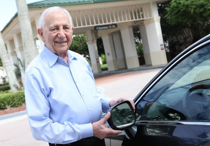 Inventor Patents No-Blind-Spot Side Mirror