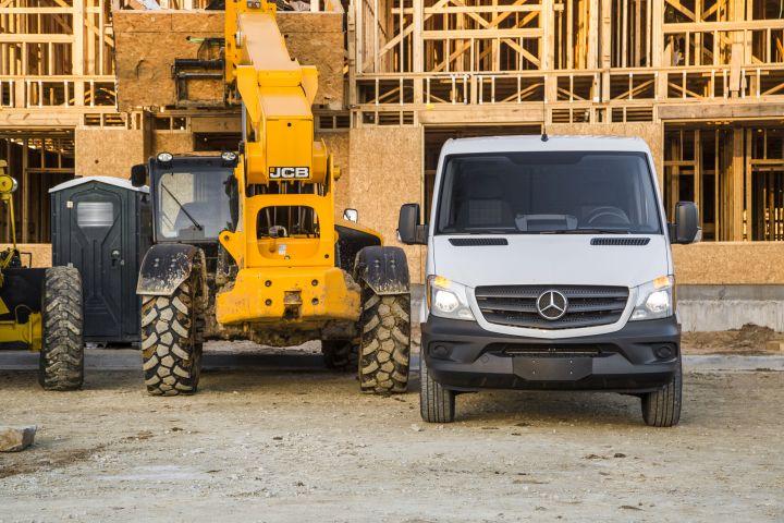 Mercedes-Benz Expands Sprinter Worker Lineup