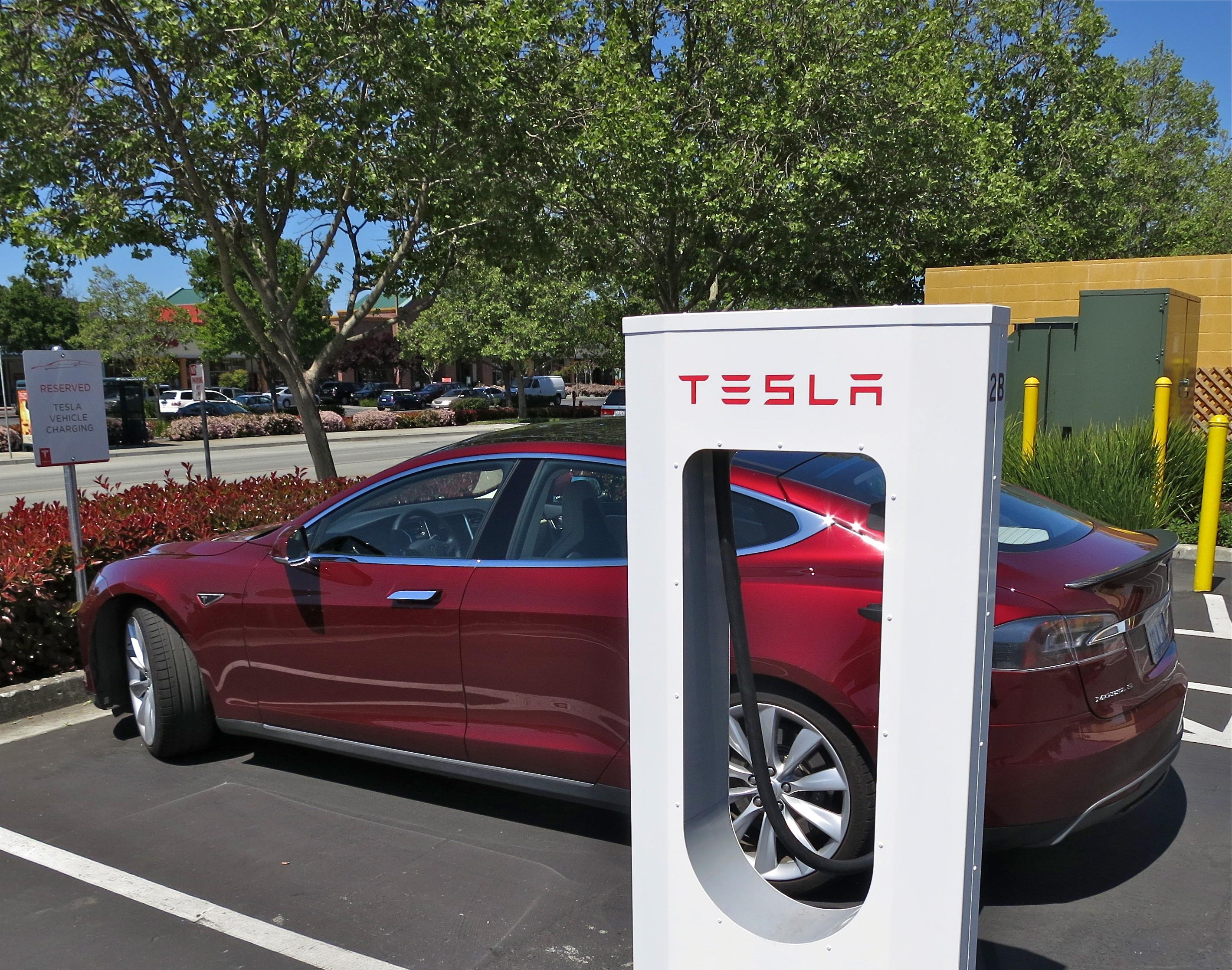 Tesla Expanding EV Charging in China
