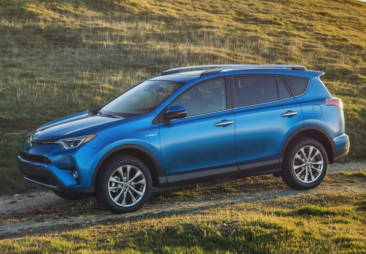 Toyota's 2016 RAV4 Hybrid Gets MPG, Pricing