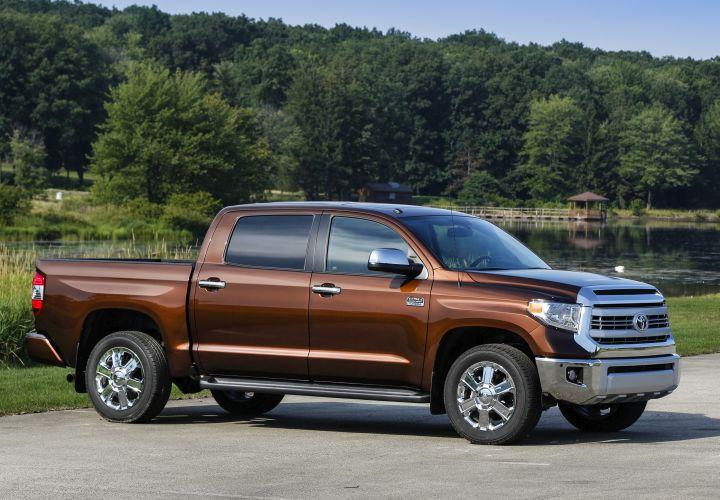 Toyota Announces 2016-MY Fleet Incentives