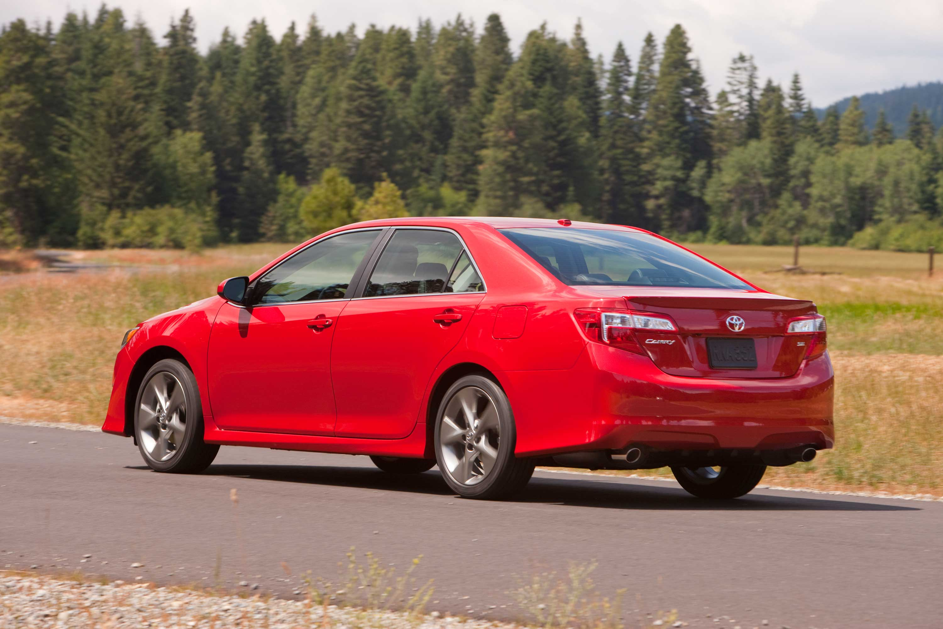 Toyota Recalls Camry, Avalon for Steering