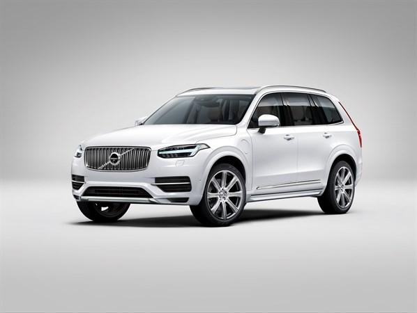 Volvo Recalls XC90 SUVs for Sunroof Switch