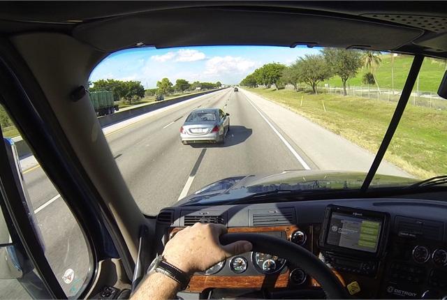 NHTSA Urged to Mandate Truck Crash Avoidance Technology