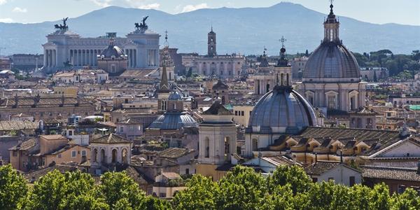Photo of the Rome skyline courtesy ofBert Kaufmann via Wikimedia Commons.