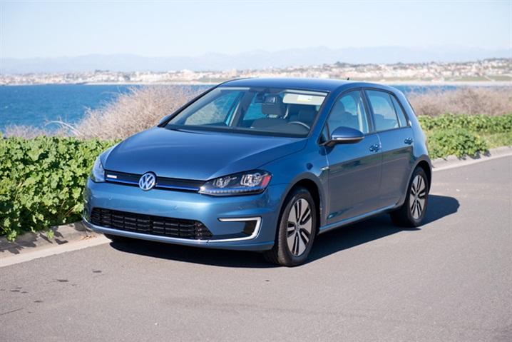 VW Launches Entry-Level e-Golf SE