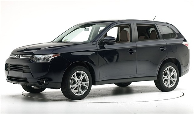 2014 Mitsubishi Outlander (SOURCE: IIHS)
