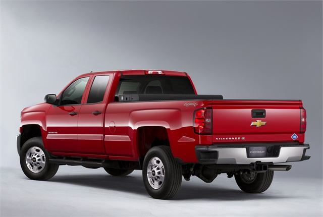 The MY-2015 Chevrolet 2500 HD features cargo boxes ranging from 6-feet-6-inches to 8-feet.