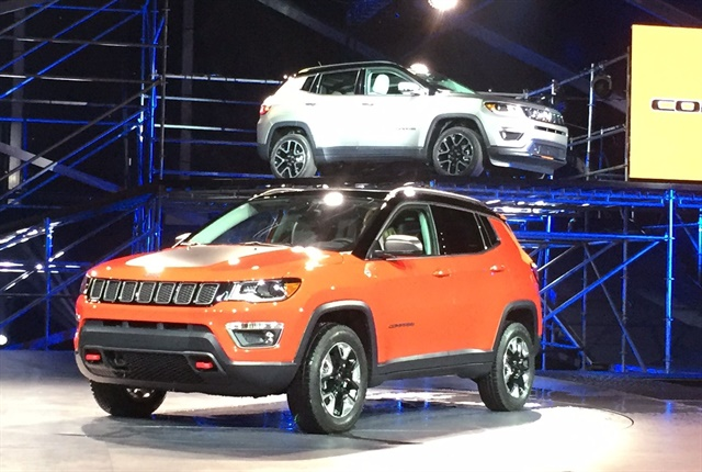 Photo of the 2017 Jeep Compass courtesy of Paul Clinton.