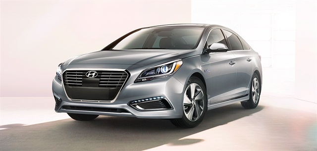 2016 Hyundai Sonata Hybrid Photo courtesy of Hyundai