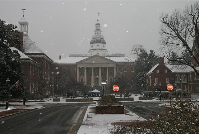 Photo of Maryland State Capitol Building by Marylandstater of English Wikipedia via Wikimedia Commons.