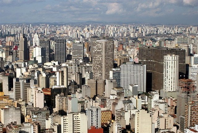 Photo of the São Paulo skyline in Brazil courtesy of Ana Paula Hirama via wikimedia commons.