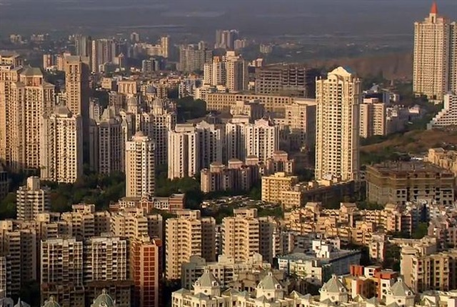 Photo of Mumbai Sklyine courtesy of Deepak Gupta/Wikimedia Commons.