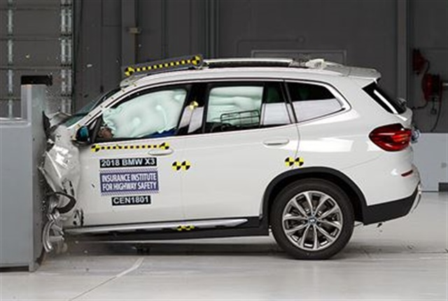 Photo of 2018 BMW X3 crash test courtesy of IIHS.