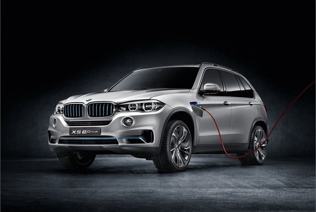 The BMW x5 eDrive plug-in hybrid concept. The automaker plans to show this vehicle at the Frankfurt Auto Show. Photo courtesy BMW.