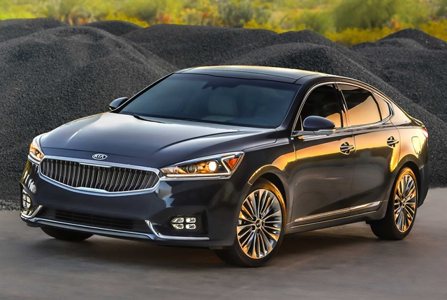The Cadenza found the lowest average number of problems of any vehicle in the J.D. Power Initial Quality Study. Photo courtesy of Kia Motors.