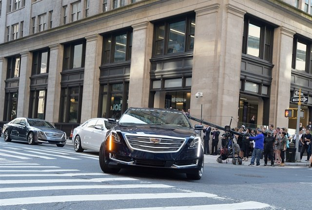 Photo of the start of the hands-free drive event courtesy of Cadillac.