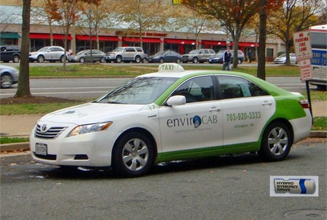 Toyota Camry Hybrid taxi from EnvironCAB of Arlington, Va. Photo courtesy of Mario Roberto Duran Ortiz.