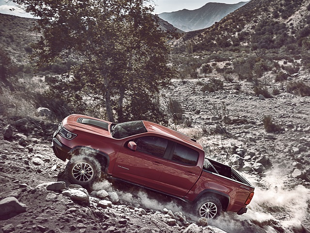 Photo of 2017 Chevrolet Colorado ZR2 courtesy of GM.