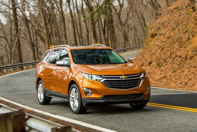 Photo of 2018 Equinox courtesy of GM.
