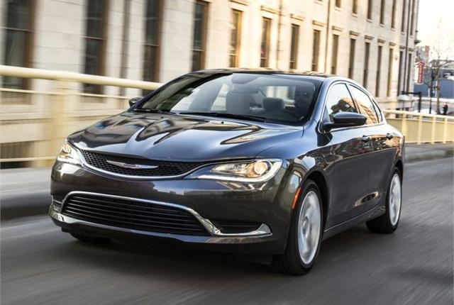 Photo of 2015 200 sedan courtesy of Chrysler.