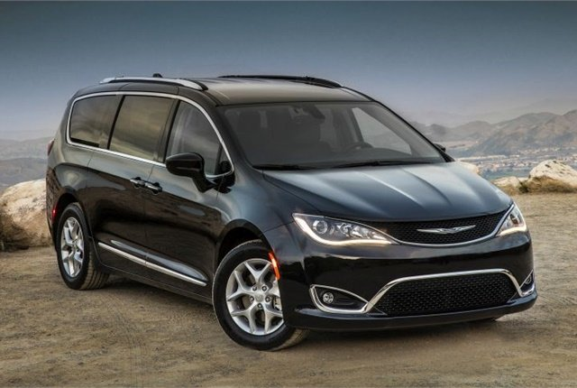 Photo of 2017 Chrysler Pacifica courtesy of FCA.
