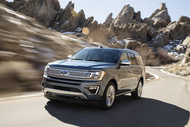 Photo of 2018 Expedition large SUV courtesy of Ford.