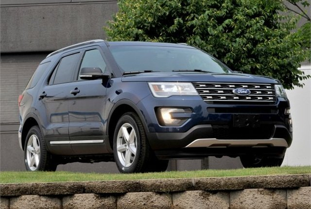 Photo of 2016 Explorer courtesy of Ford.