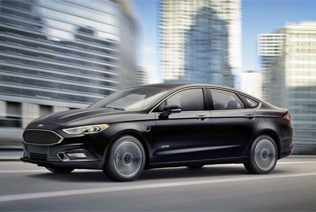 Photo of 2017 Fusion courtesy of Ford.