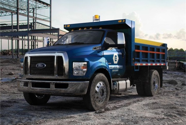 Photo of medium-duty 2016 dump truck courtesy of Ford.