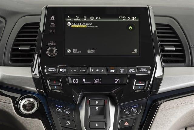 Photo of 2018 Odyssey's dashboard-mountedscreen courtesy of Honda.