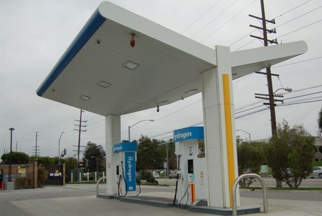 Photo of Torrance, Calif., hydrogen station by Thi Dao.