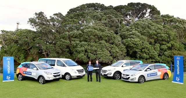 (From left) Andy Sinclair, Hyundai New Zealand General Manager / Campbell Jamieson, ICC General Manager – Commercial.Photo: Hyundai New Zealand