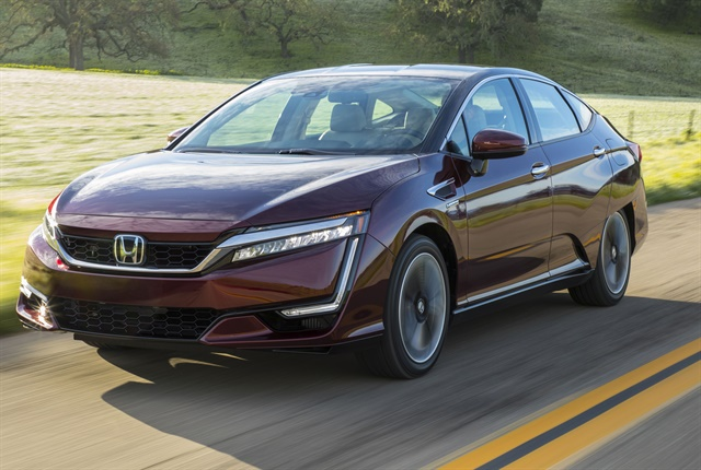 Photo of the 2018 Honda Clarity Fuel Cell courtesy of Honda.