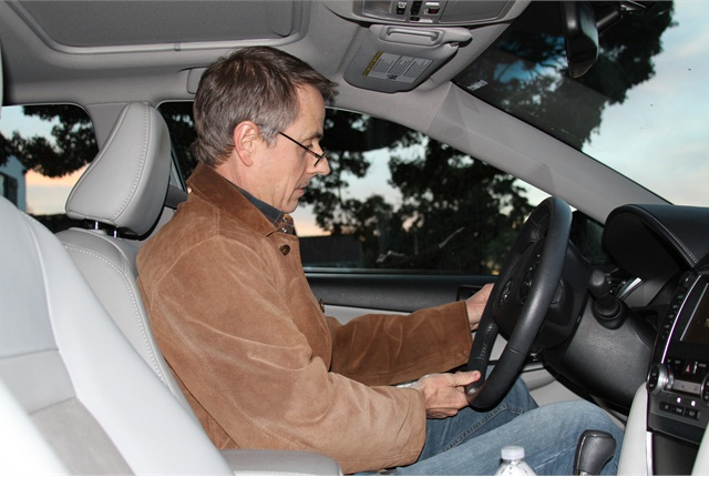 <p>Drowsy driving warning signs include yawning or blinking frequently and having trouble keeping your head up.</p>
