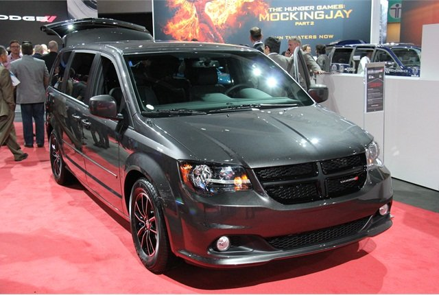 Photo of 2016-MY Dodge Grand Caravan by Paul Clinton.