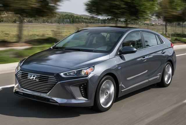 Photo of 2017 Ioniq Hybrid courtesy of Hyundai.