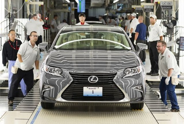 Photo of first Lexus ES 350 built in Kentucky courtesy of Toyota.