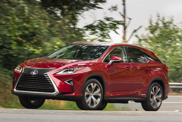 Photo of 2016 RX450h courtesy of Lexus.