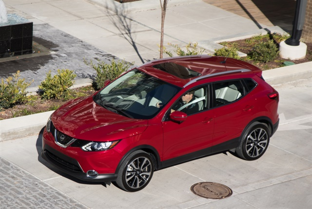 Photo of 2018.5 Rogue Sport courtesy of Nissan.