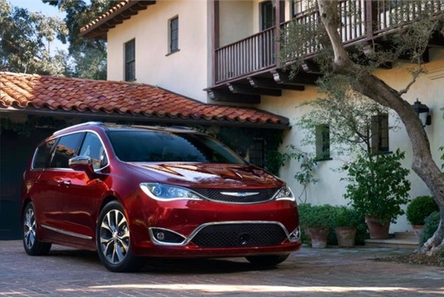 Photo of Chrysler Pacifica courtesy of FCA.