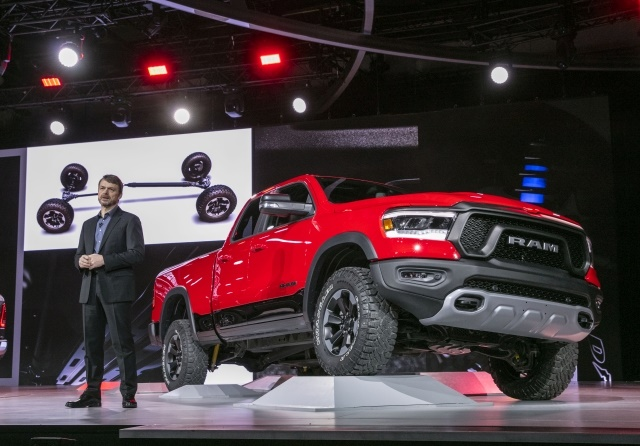Mike Manley, Head of Ram Brand – FCA Global, introduces the all-new 2019 Ram 1500 at the truck's 2018 North American International Auto Show global debut. Ram's new half-ton player is a no-compromise pickup truck, leading in durability, technology and efficiency with innovative design and the highest quality materials.(Image courtesy of FCA US)