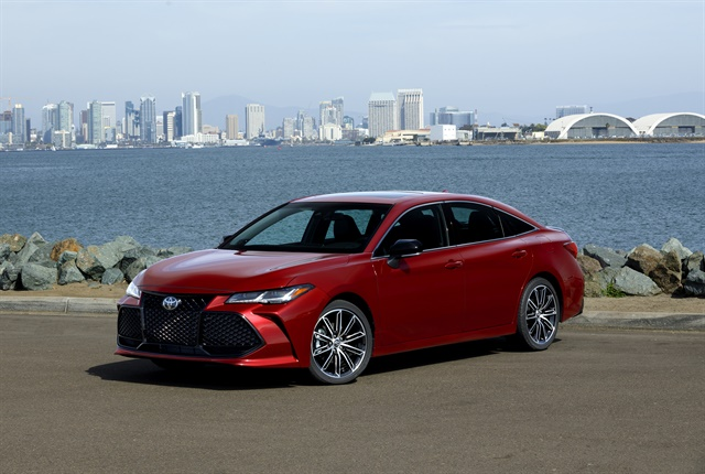 2019 toyota avalon adds power reworks tech operations. Black Bedroom Furniture Sets. Home Design Ideas