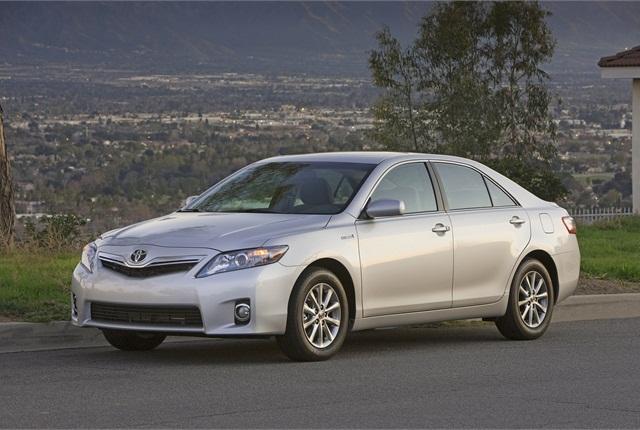 Photo of 2014.5 Camry Hybrid courtesy of Toyota.