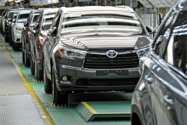 Photo of 2014 Highlander assembly courtesy of Toyota.
