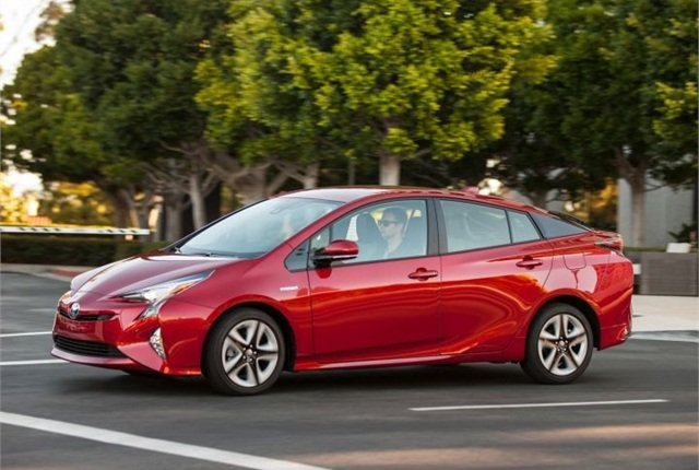 Photo of 2016 Prius Four courtesy of Toyota.
