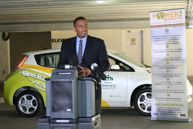 Charlotte, N.C.'s Mayor Anthony Foxx speaking at an event promoting sustainable transportation. Image courtesy City of Charlotte.