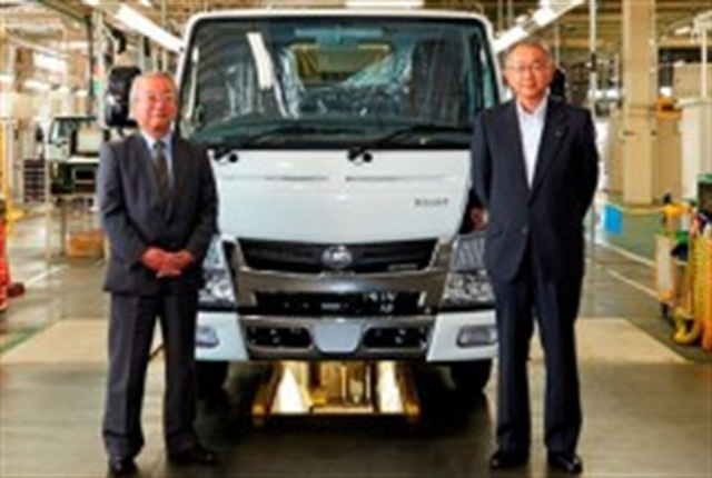 Left to Right: Takao Suzuki, MFTBC Chairman of the Board and Yusuke Sakaue, UD Trucks President & Representative Director .